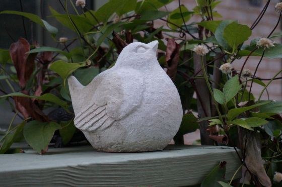 Bird wildlife statue