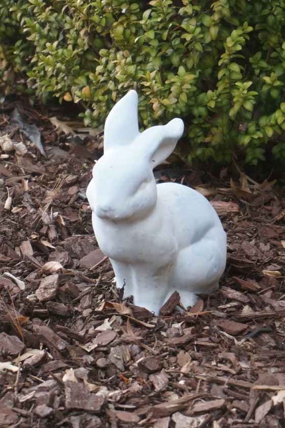 Rabbit wildlife statue